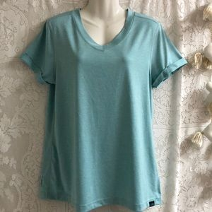 The North Face flashdry sz L turquoise t-shirt